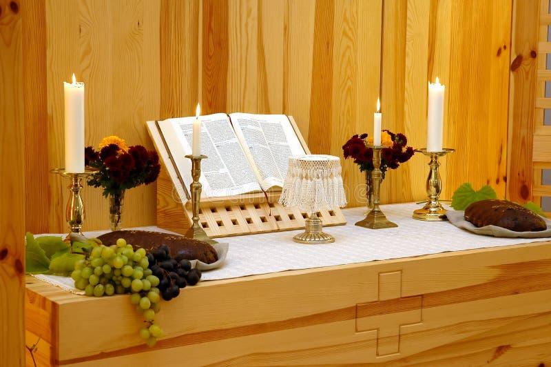De kerkaltaar van de dankzegging royalty-vrije stock afbeelding