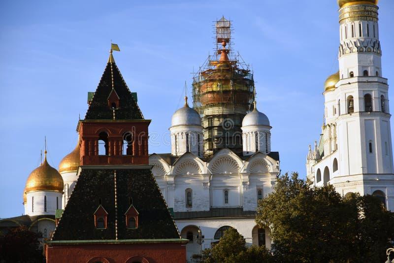 De kerken van Moskou het Kremlin Kleurenfoto royalty-vrije stock afbeeldingen
