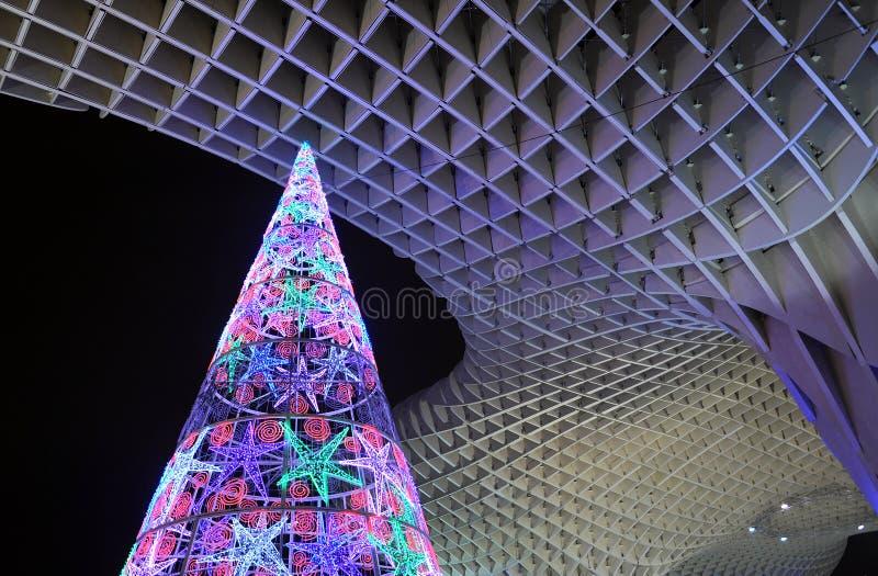 De kerstboom stak omhoog aan, Sevilla, Andalusia, Spanje stock foto's