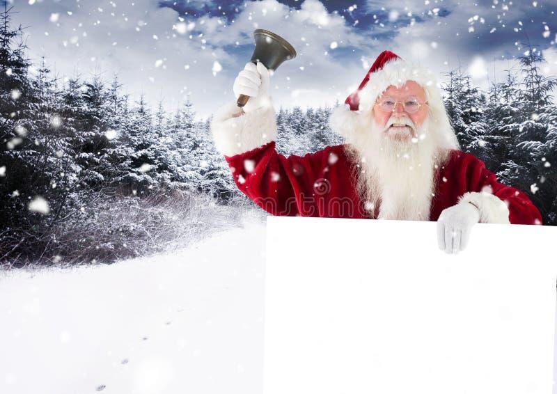 De Kerstman die een klok bellen terwijl het houden van aanplakbiljet royalty-vrije stock afbeeldingen
