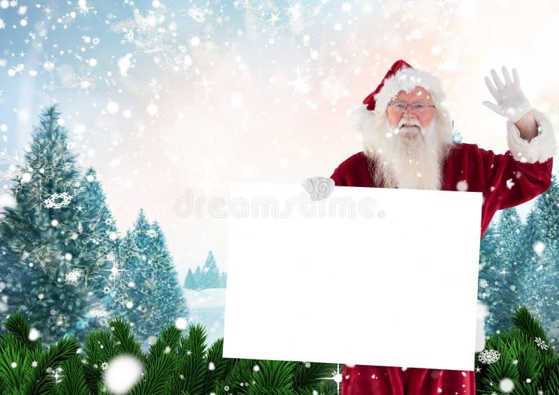 De Kerstman die terwijl het houden van leeg aanplakbiljet golven royalty-vrije stock foto