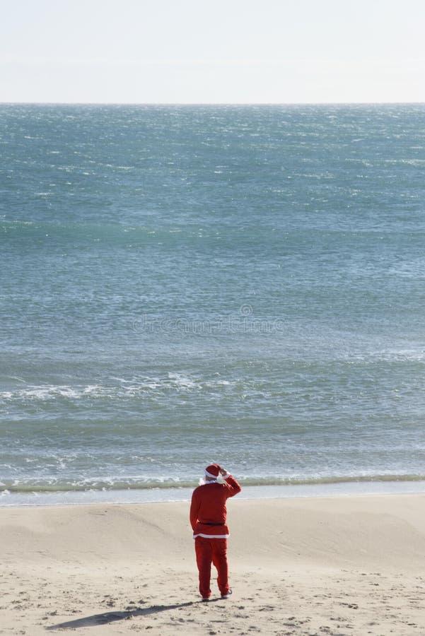De Kerstman op het strand royalty-vrije stock foto