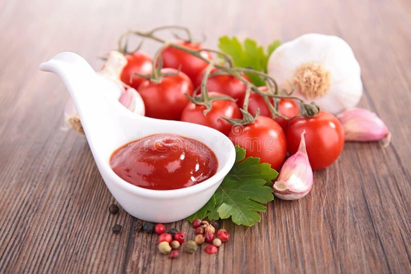 De ketchup van de tomatensaus stock afbeeldingen