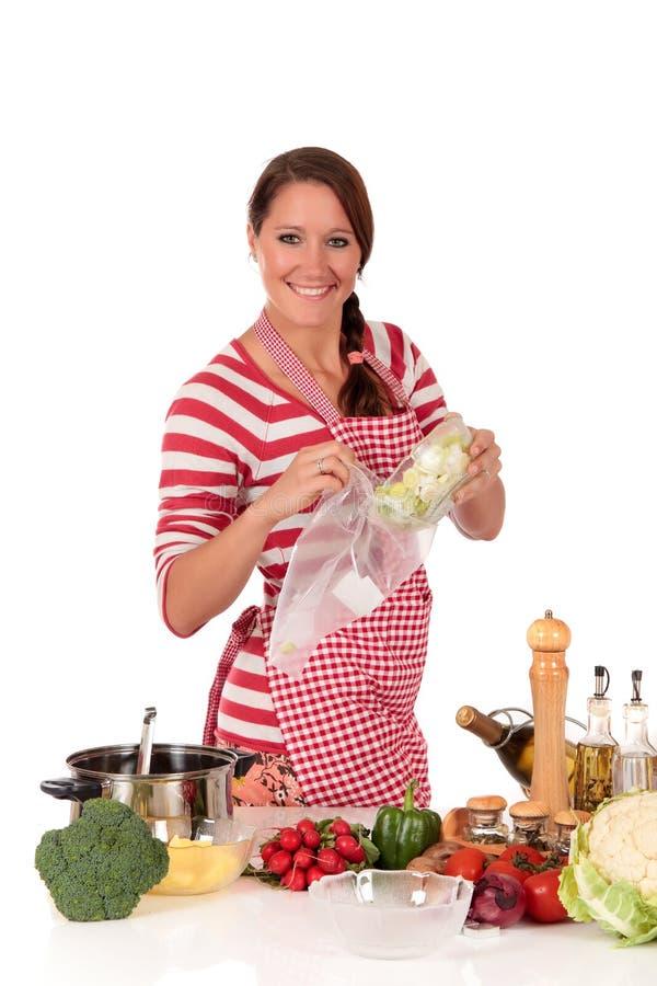 De keukengroenten van de vrouw royalty-vrije stock foto