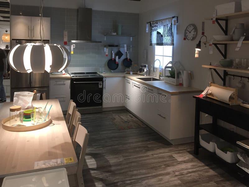De keukenmeubilair van Nice voor verkoop bij opslag IKEA Amerika royalty-vrije stock afbeelding
