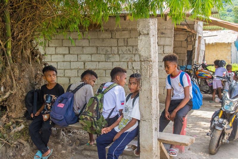 De Kinderen van de Aetaschool van het Gebied van Sapang Uwak stock afbeeldingen