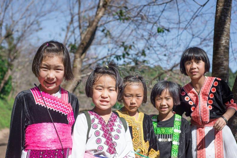 De kinderen van de de heuvelstam van Hmong stock afbeeldingen