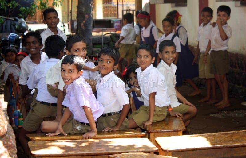 De Kinderen van de School van het dorp royalty-vrije stock afbeelding