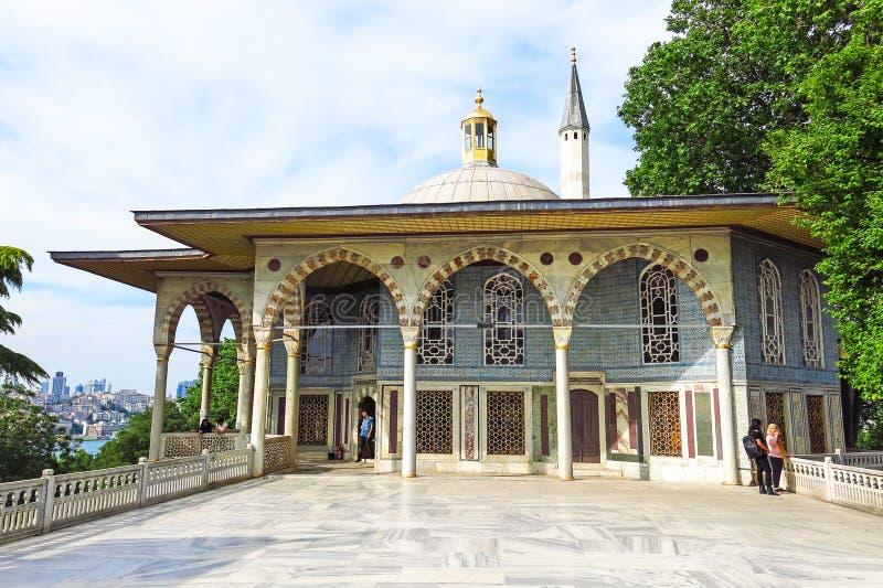 De Kiosk van Bagdad in het Topkapi-Paleis wordt gesitueerd dat stock afbeelding