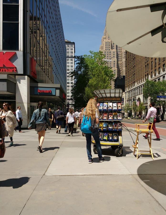 De Kiosk van de toeristeninformatie in de Stad van New York, de V.S. stock afbeelding