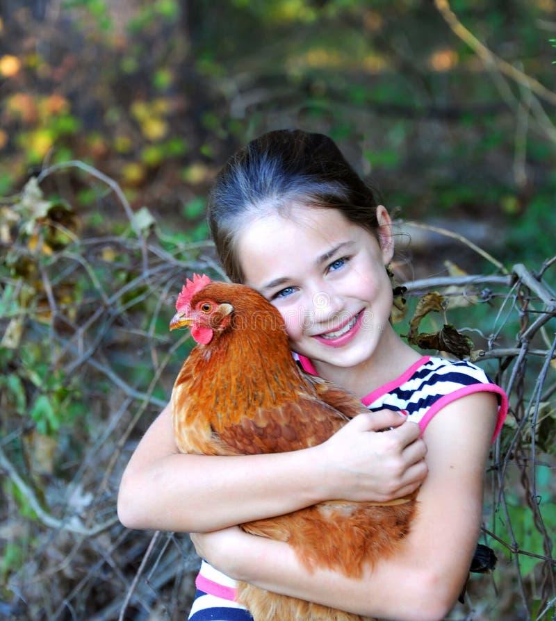 De kip krijgt een Grote Omhelzing royalty-vrije stock afbeeldingen