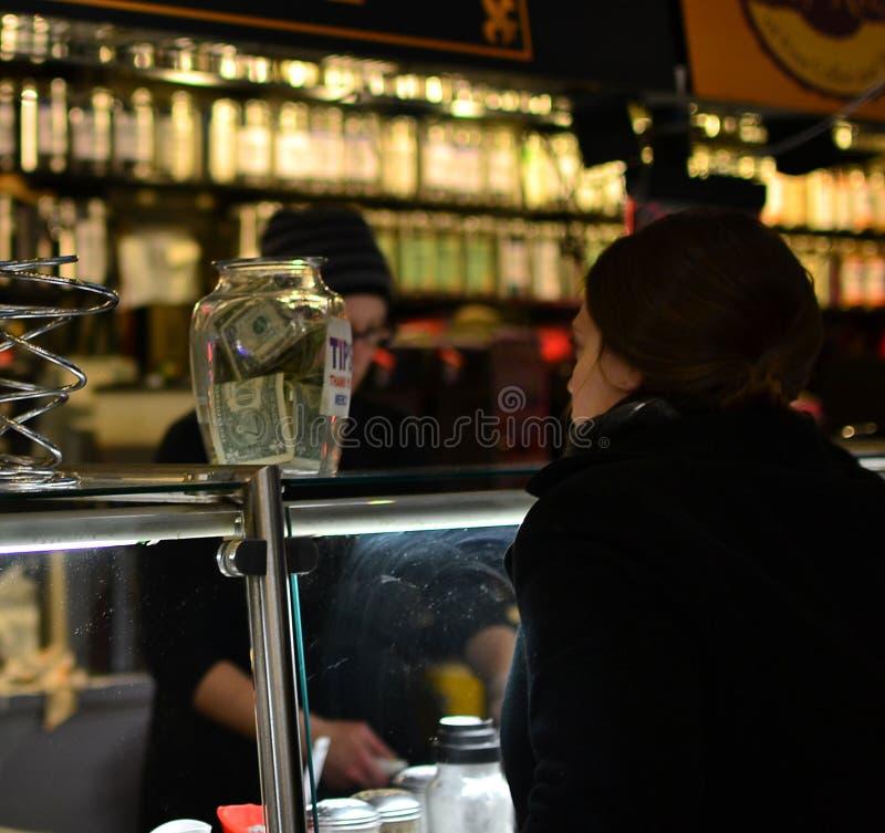 De klant van de koffiewinkel royalty-vrije stock afbeelding