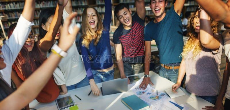 De klasgenoot viert Team Group Community Concept stock afbeelding