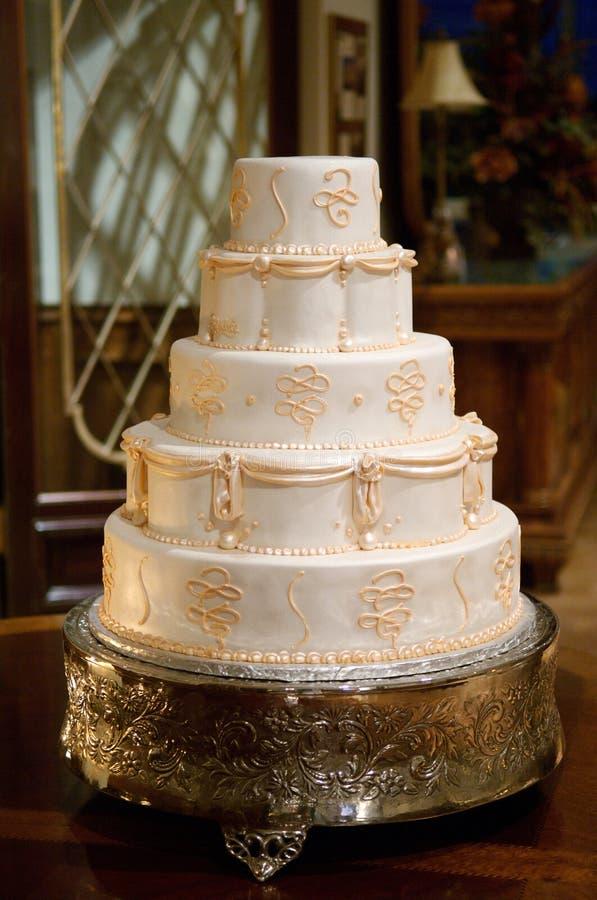 De klassieke Cake van het Huwelijk stock afbeeldingen