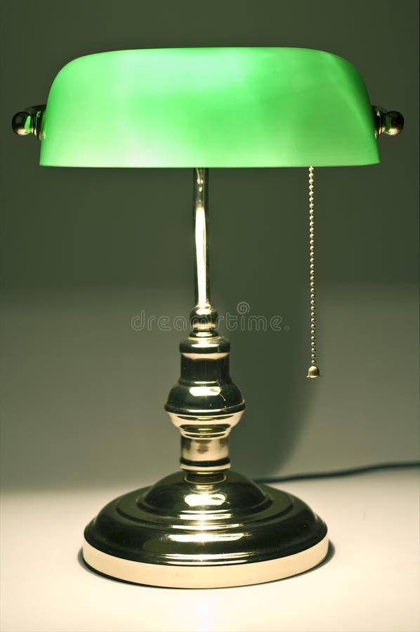 De klassieke lamp van het bankiersbureau stock foto's