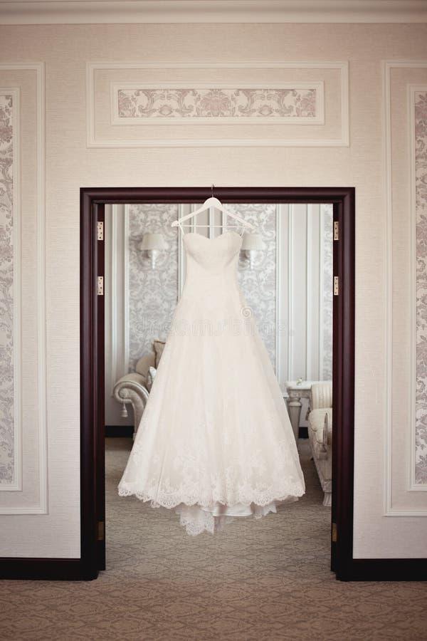De kleding van het bruid` s huwelijk stock fotografie