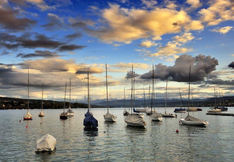De kleine haven bij het meer van Zürich royalty-vrije stock afbeeldingen