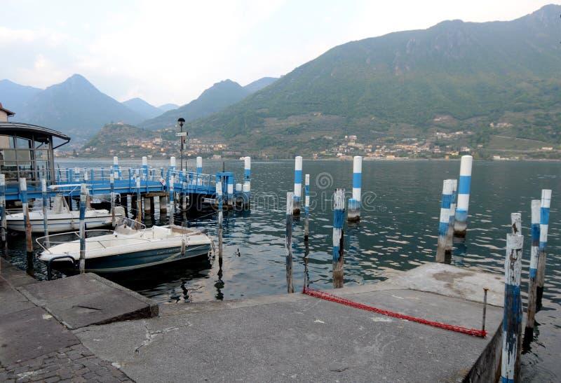 De kleine haven van Carzano royalty-vrije stock fotografie