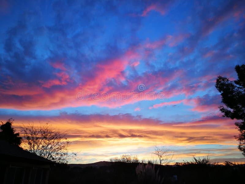 De kleuren van de zonsondergang stock foto's