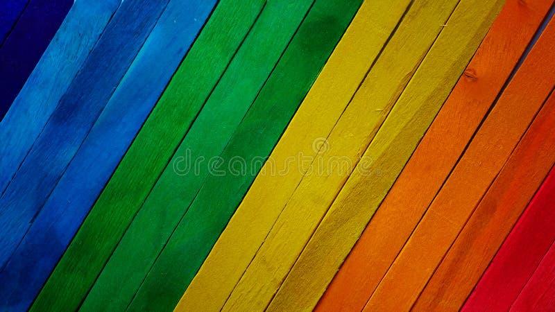 De kleurrijke achtergrond van de de verftextuur van het regenboogspectrum houten ruwe stock afbeeldingen