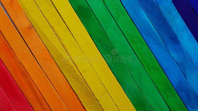 De kleurrijke achtergrond van de de verftextuur van het regenboogspectrum houten ruwe royalty-vrije stock foto's