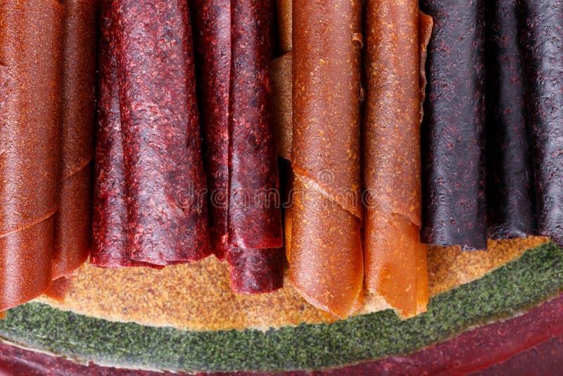 De kleurrijke broodjes van het fruitleer stock afbeelding