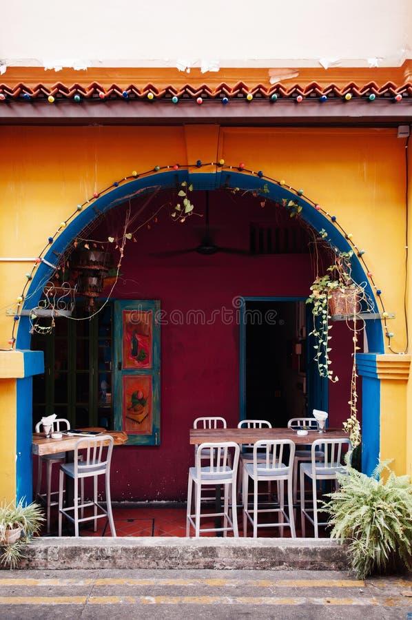 De kleurrijke koloniale bouw in Haji Lane, Kampong Glam - Singapo stock afbeeldingen