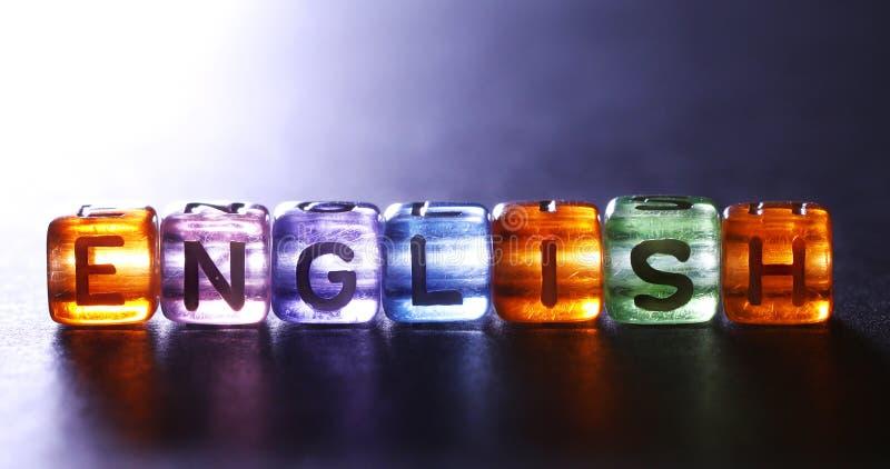 De kleurrijke kubus glanzend van ENGELSE teksten, Engelstalig leert royalty-vrije stock foto's