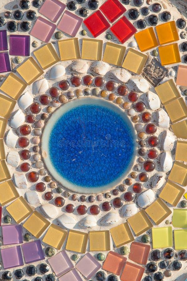 De kleurrijke kunst van het glasmozaïek en abstracte muur royalty-vrije stock foto's