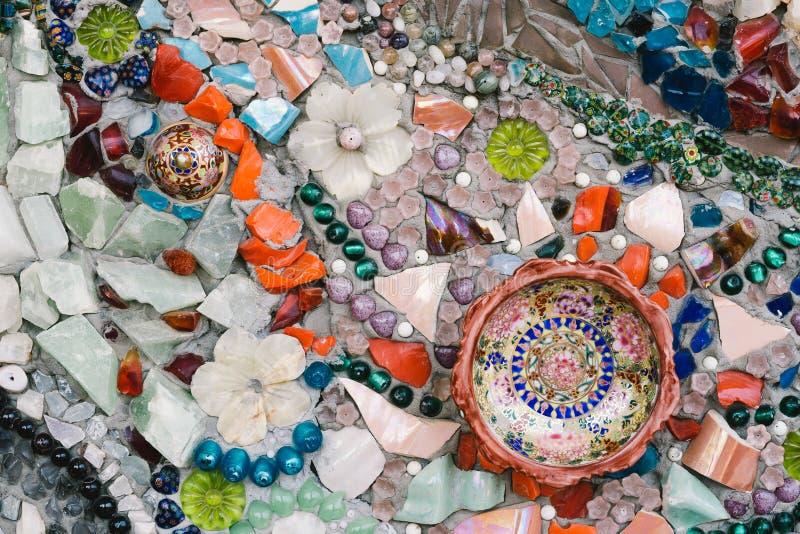 De kleurrijke kunst van het glasmozaïek en abstracte muur royalty-vrije stock afbeeldingen