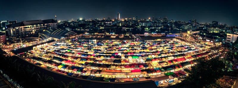 De kleurrijke markt Ratchada van de tentnacht royalty-vrije stock foto