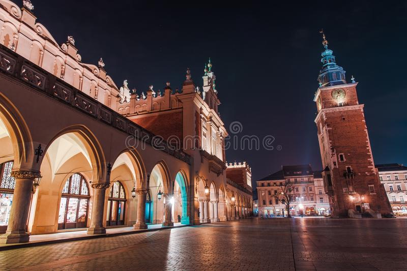 De kleurrijke Nacht van Krakau royalty-vrije stock foto