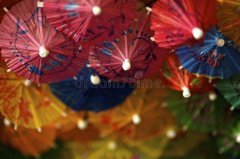 De kleurrijke Paraplu's van de Drank stock afbeelding