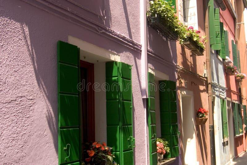 De kleurrijke straten van Burano - Venetië royalty-vrije stock foto's