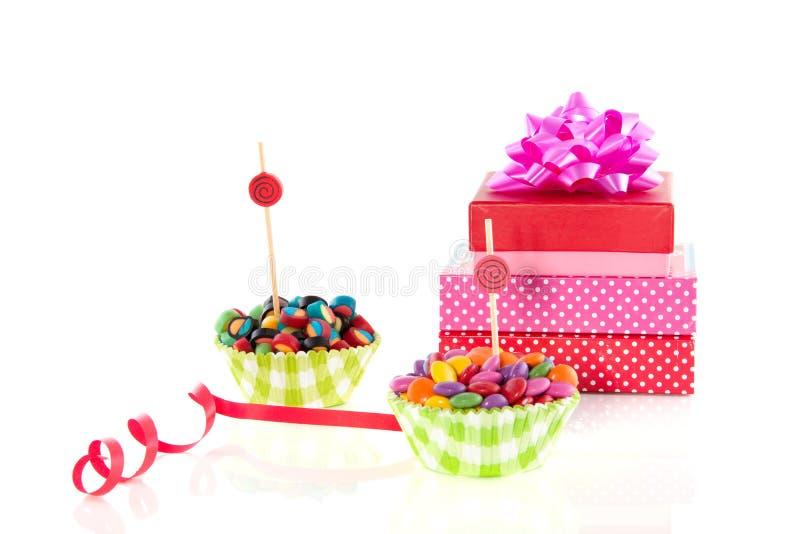 De kleurrijke suikergoedsnoepjes en stelt voor royalty-vrije stock foto's