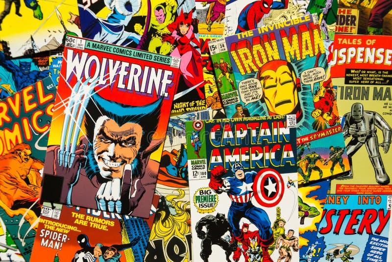 De kleurrijke uitstekende grappige hoogste de meningsvlakte van de tijdschriftdekking legt samenstelling royalty-vrije stock afbeeldingen