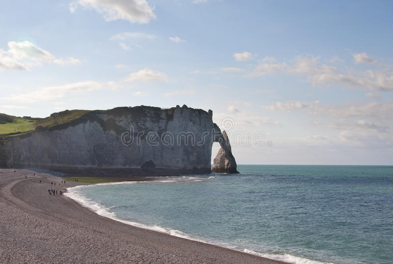 De klippen in Etretat in Normandië, Frankrijk royalty-vrije stock afbeelding
