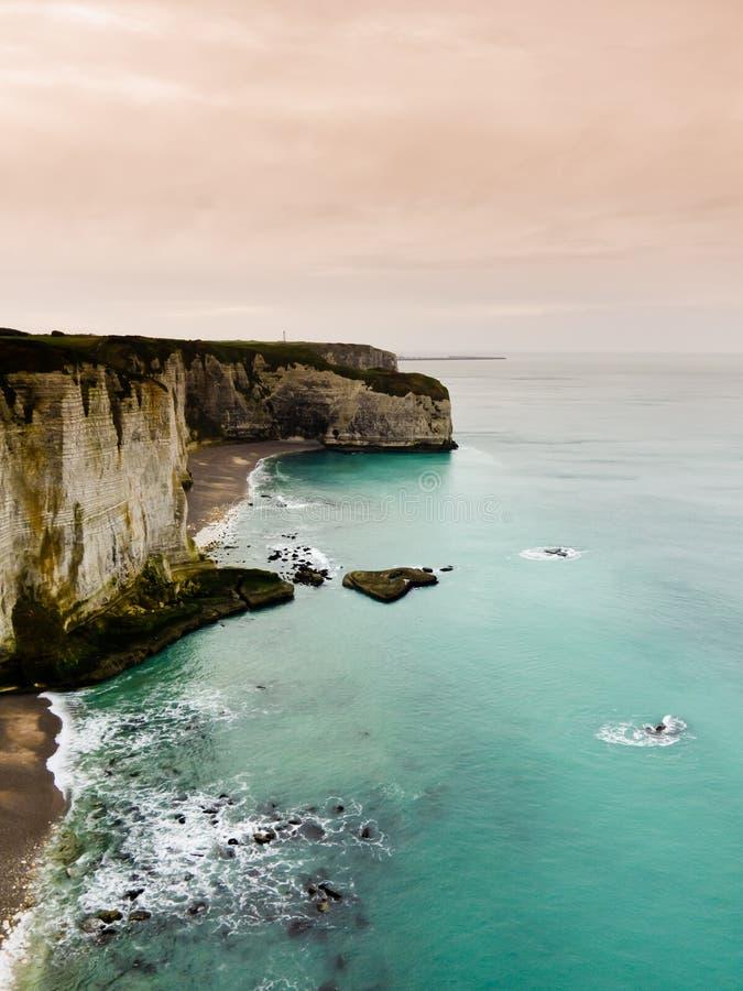 De klippen van Etretat, Normandië stock afbeelding