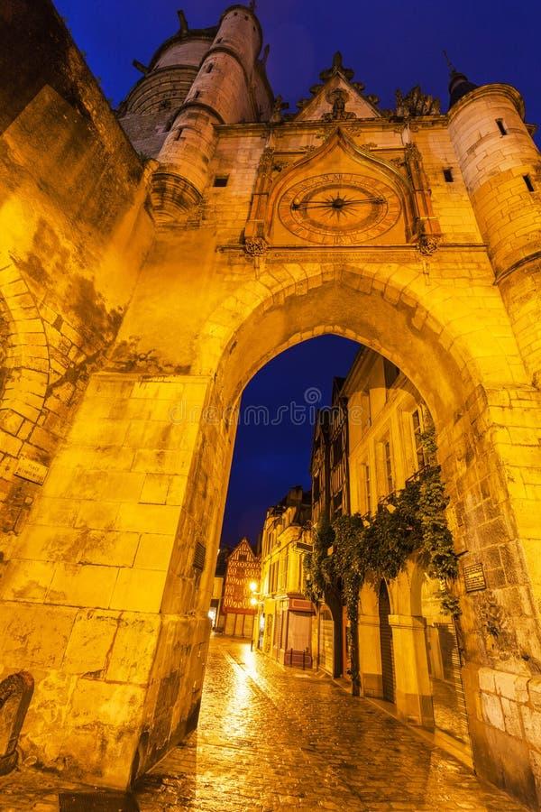 De Klokketoren van Auxerre stock fotografie