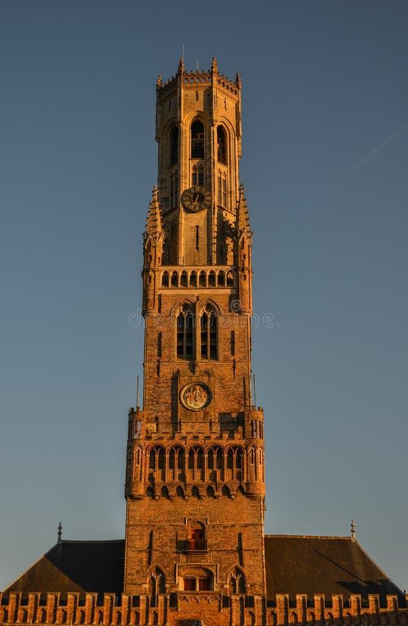 De Klokketoren van de bestelwagen Brugge van Brugge Belfort stock foto's