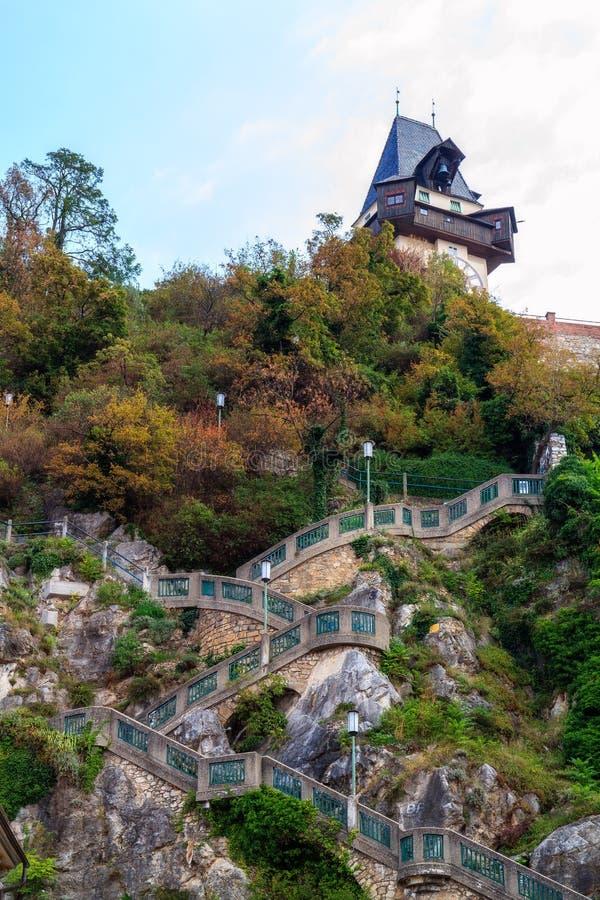 De Klokketoren van Graz stock afbeeldingen