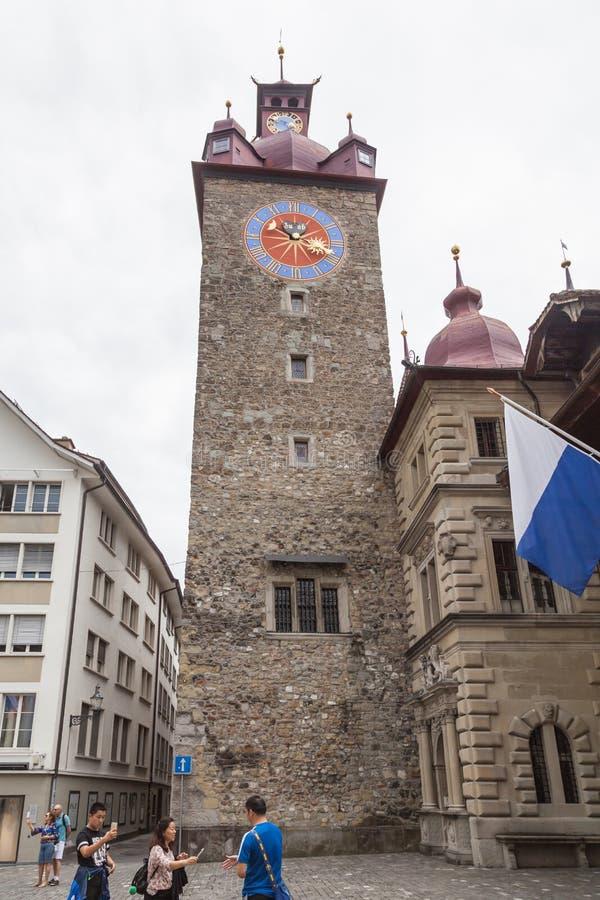 De klokketoren van luzerne in oude stadsstad, Zwitserland royalty-vrije stock afbeeldingen