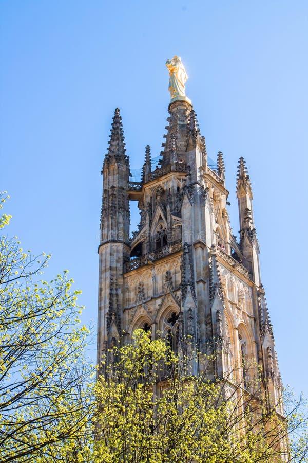 De klokketoren van St Andrew Cathedral in Bordeaux, Frankrijk royalty-vrije stock fotografie
