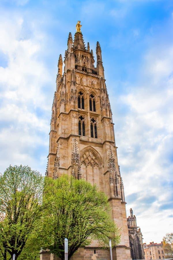 De klokketoren van St Andrew Cathedral in Bordeaux, Frankrijk stock fotografie