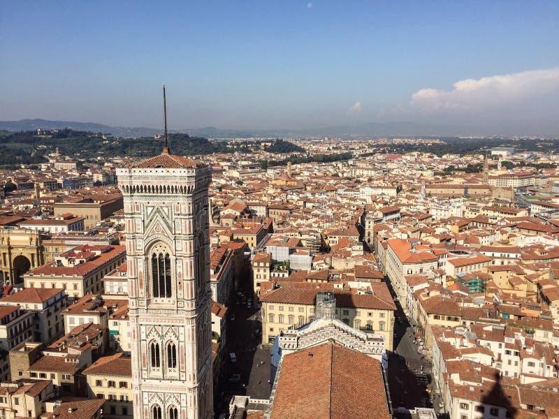 De Klokketorenmening van Giotto van de Koepel van Brunelleschi stock afbeeldingen