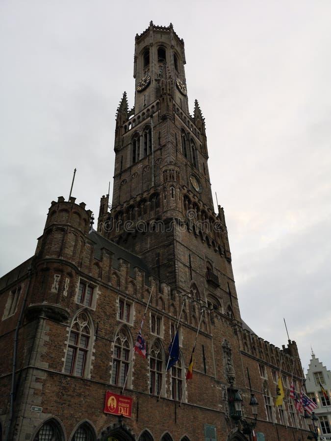 De Klokketorentoren van Belfort in Brugge, Brugge, België stock afbeelding