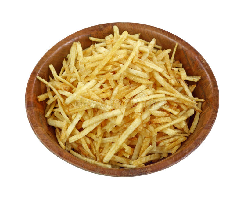 De knapperige Fijne Aardappel plakt Houten Kom royalty-vrije stock afbeeldingen