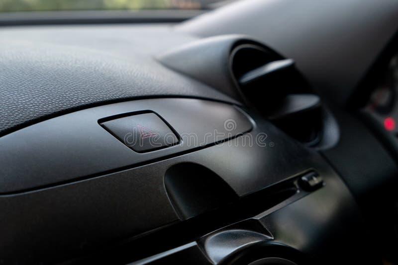 De knoop van de autonoodsituatie in bestuurdersplaats stock foto's