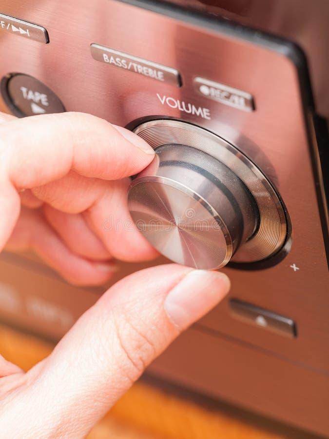 De knop van de correct volumecontrole stock afbeeldingen