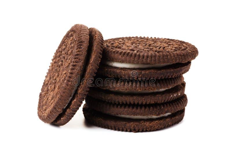 De koekjes van de chocolade met room het indienen stock afbeelding
